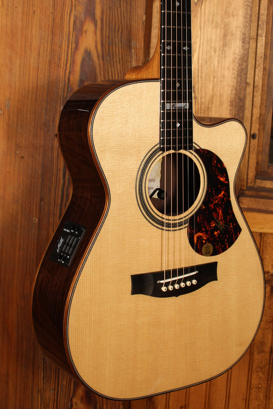 Maton EM100C 808 Messiah Series w/ Sitka Spruce & Indian Rosewood