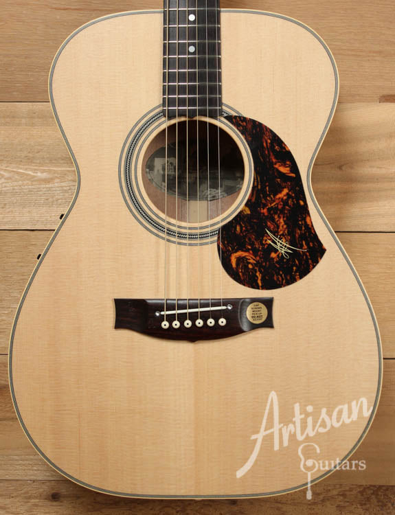 Maton EBG808TE Tommy Emmanuel Signature Sitka and Queensland Maple with APMIC pickup ID-8729 - Artisan Guitars