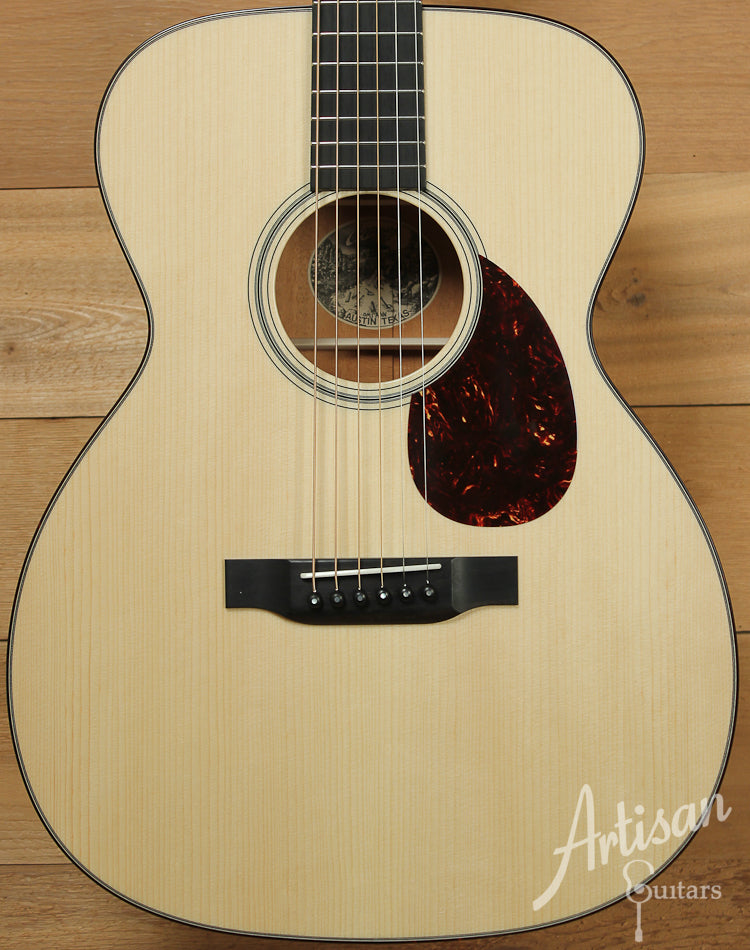 Collings OM1 A VN Adirondack Spruce and Mahogany Guitar with Adirondack Braces and Vintage Now Neck ID-7834 - Artisan Guitars
