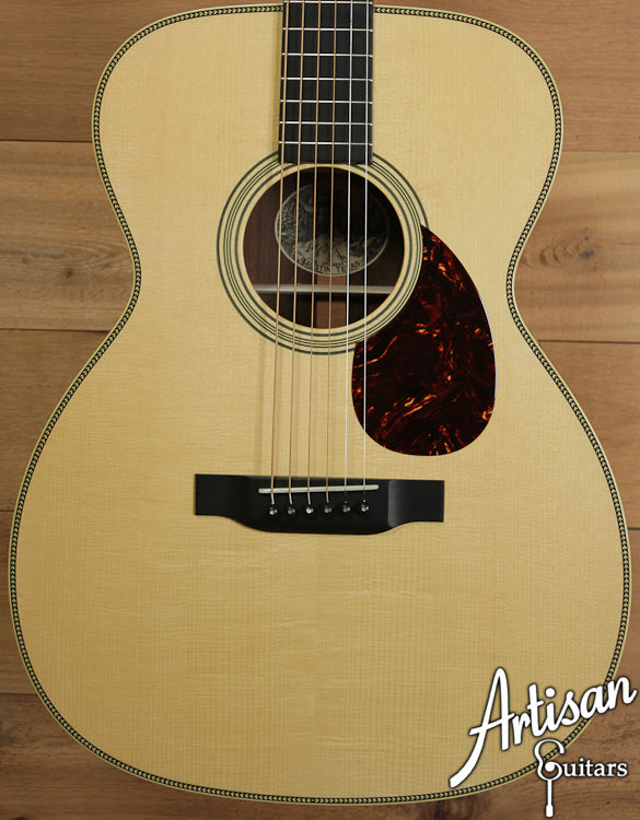 Collings OM2H Adirondack and Brazilian Rosewood with Varnish and Adirondack Braces ID-6546 - Artisan Guitars