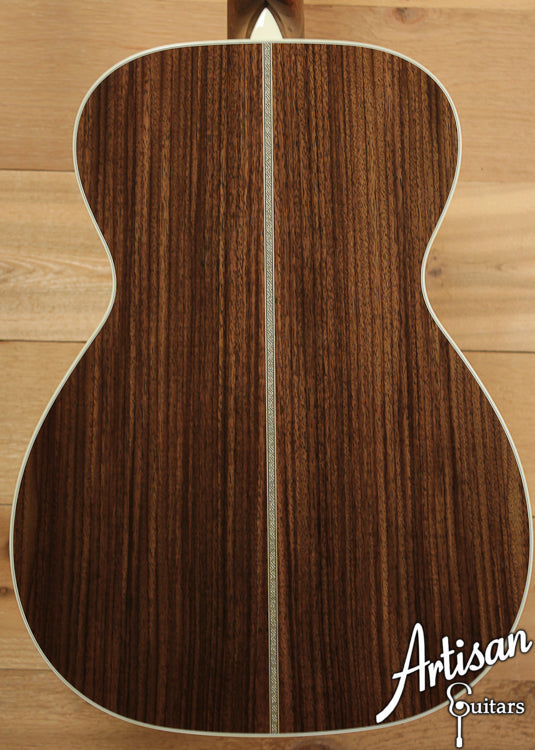 Collings 02H Sitka Spruce and Indian Rosewood ID-6641 - Artisan Guitars