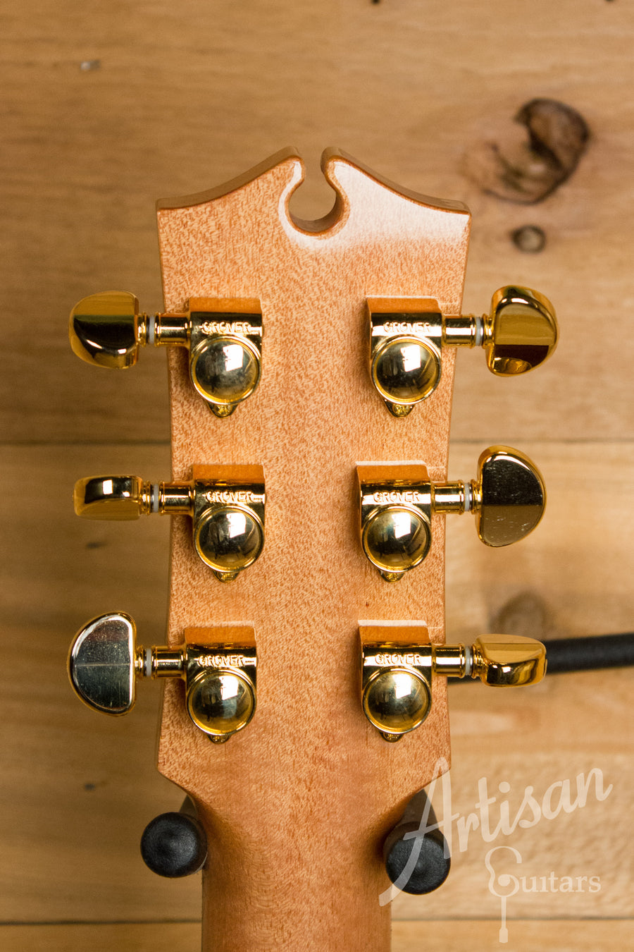 Maton EM 100C 808 Messiah Series Guitar with Sitka and Indian Rosewood Cutaway Pre-Owned 2011 ID-11080 - Artisan Guitars
