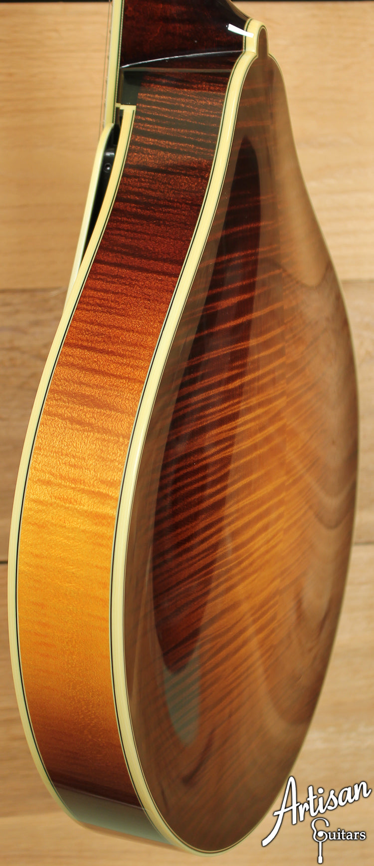 Collings MT2 V A Style Mandolin with Varnish Finish ID-7077