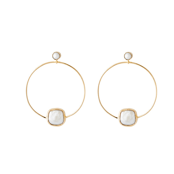 front facing hoops with freshwater pearl details