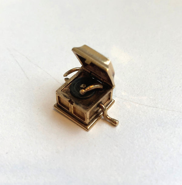 14 karat vintage record player charm