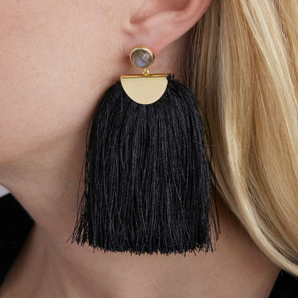 tassel earring in black with labradorite stud