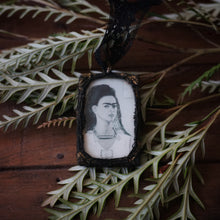 Load image into Gallery viewer, frida ornament // b + w
