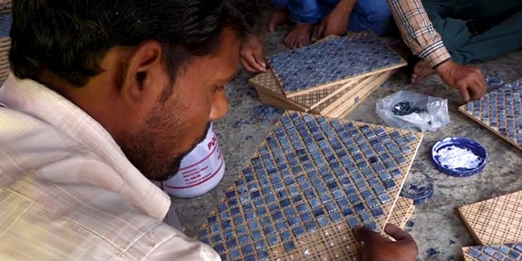 How we empowers and educates artisans