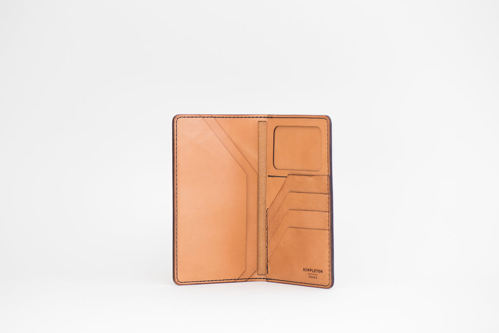 International Traveler's Tall Wallet : Russet