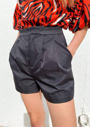 Can't Stop Me Pleated Shorts - Black