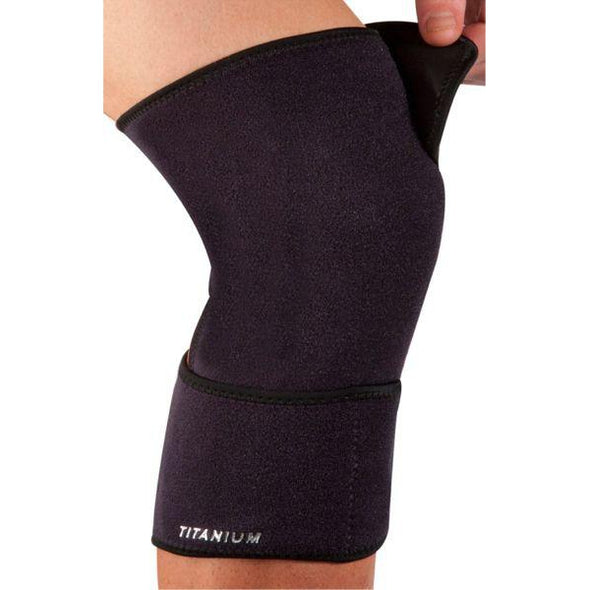 New Balance Adjustable Closed Knee Support Ti22
