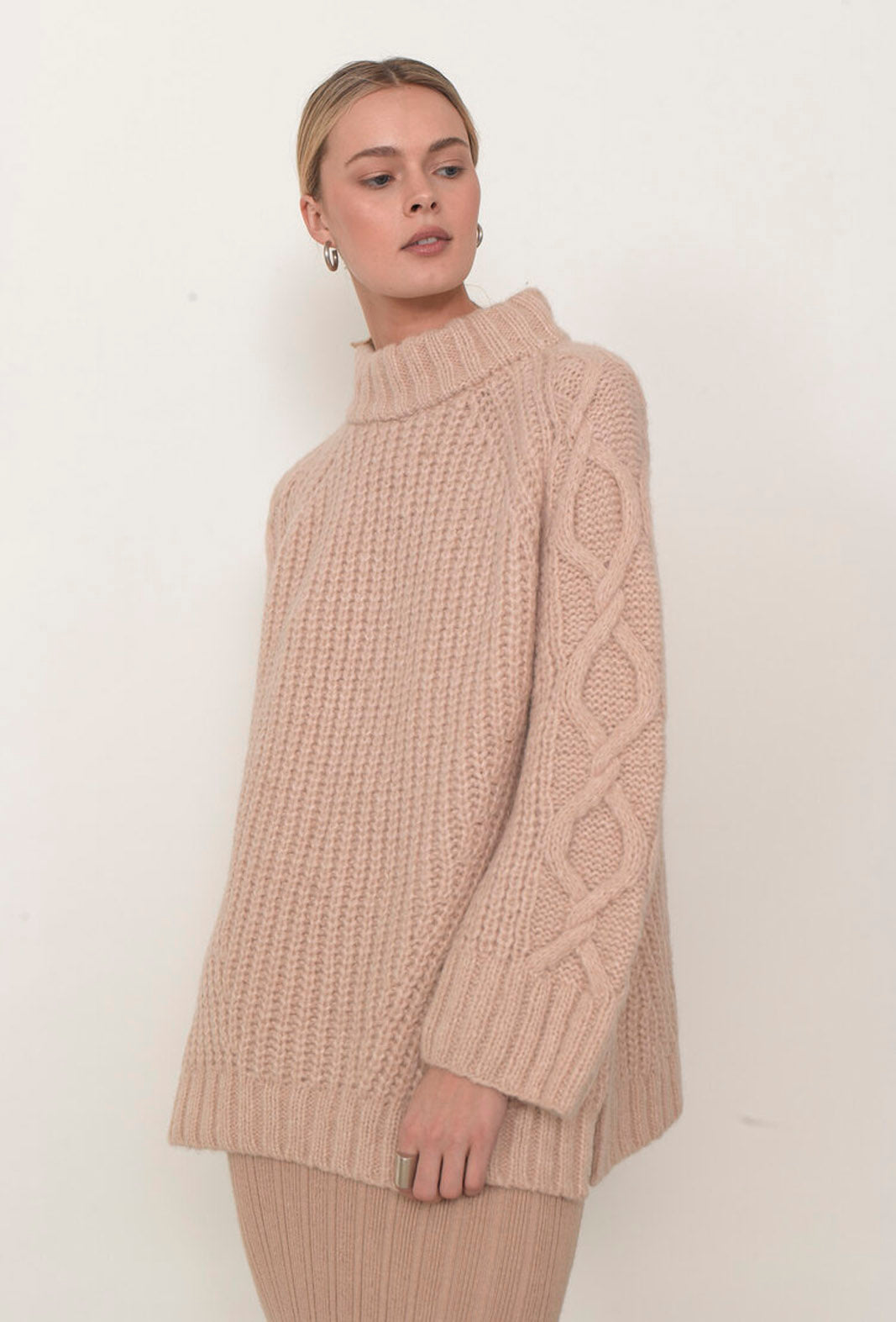 ELEVEN SIX CLARE SWEATER, PALE CAMEL