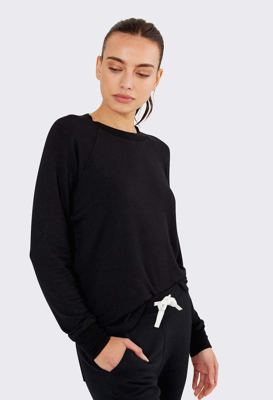 Warm Up Pullover Black