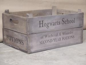 Vintage Apple Box - Hogwarts School