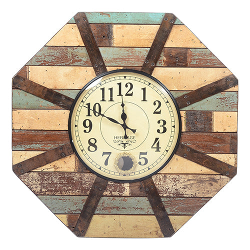 Old reclaim wooden clock