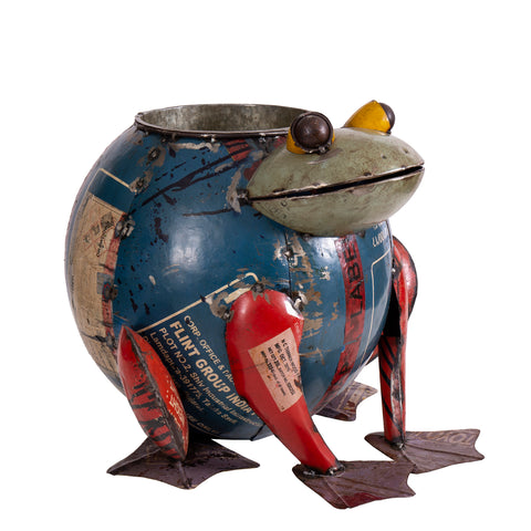 Recycled Iron Frog with Drink Tub