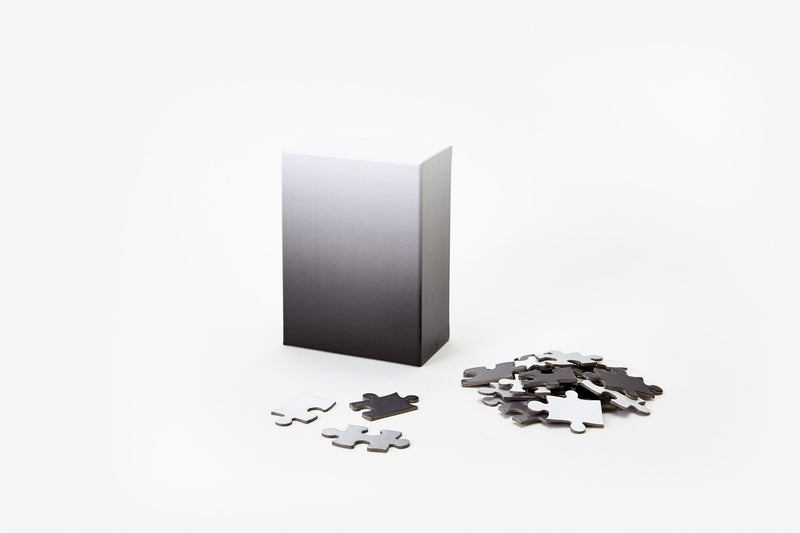 Small Gradient Puzzle (White/Black)