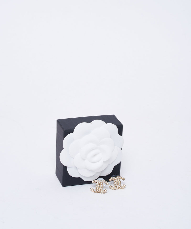 Chanel Chanel pearl with crystal ends large CC stud earrings