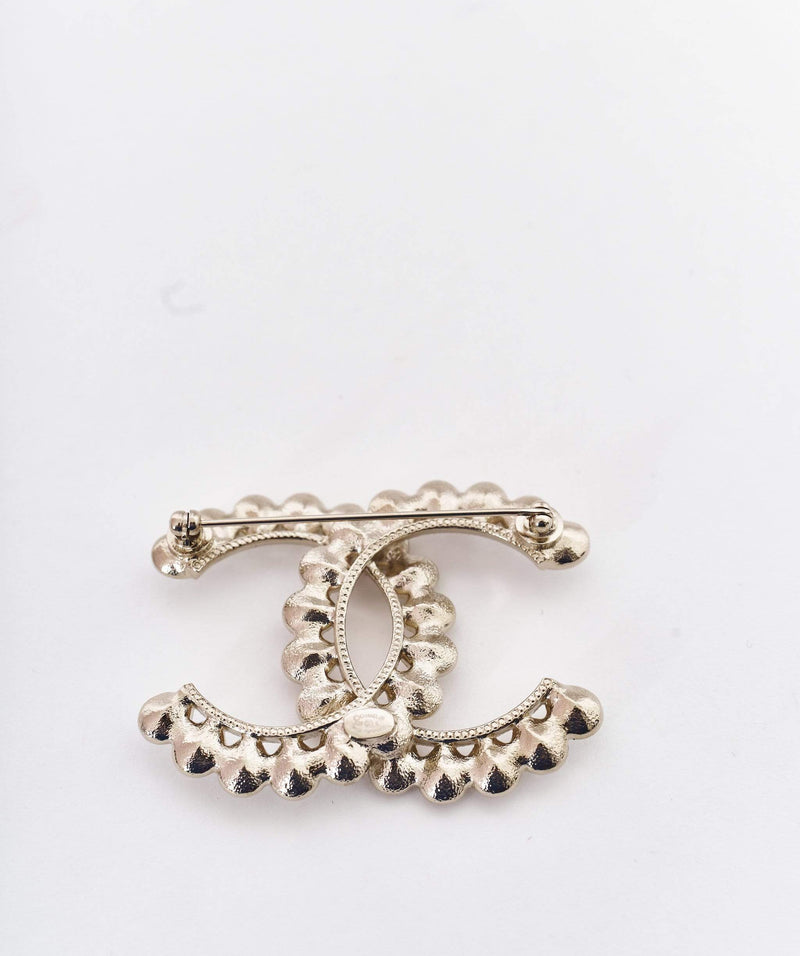 Chanel Large Chanel CC brooch with pear shaped diamantes