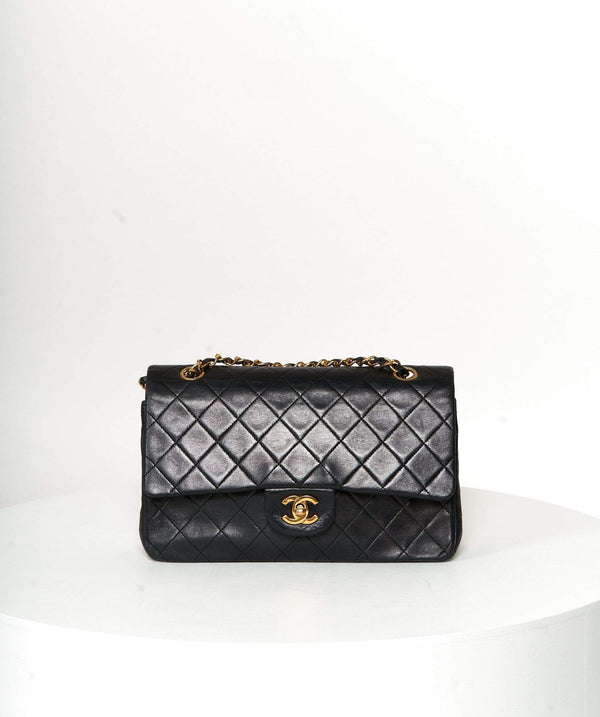 Chanel Chanel medium flap black - lambskin