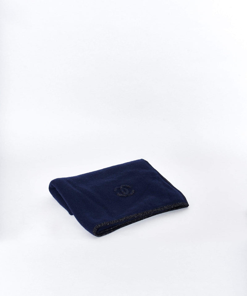 Chanel Chanel cashmere royal blue scarf and hat set with navy CC logo