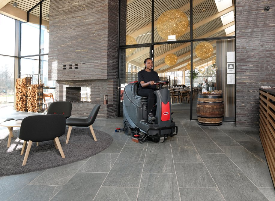 "Viper AS850R 32"" Ride On Floor Scrubber"
