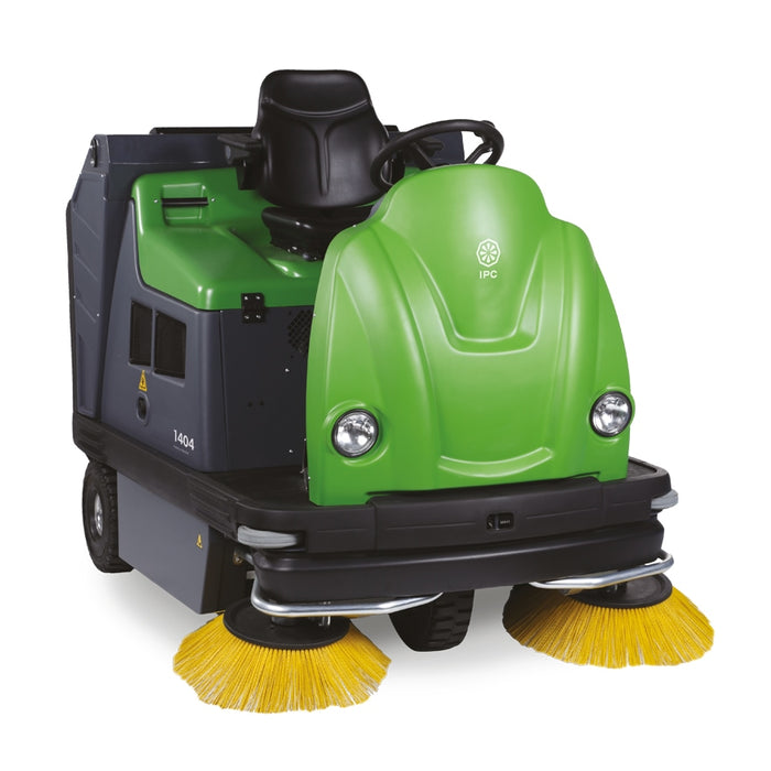 IPC Eagle TK1404E Ride-On Sweeper