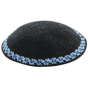 C KNITTED DMC KIPPAH 13 CM- BLACK WITH BLUE AROUND