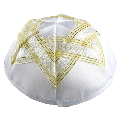 SATIN KIPPAH 19 CM WITH MAGEN DAVID WITH GOLDEN RIBBON