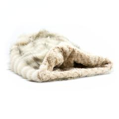 Susan Lanci Design - cuddle cup bed, arctic snow - TiaraPooches.Com