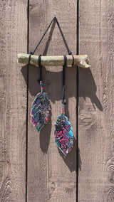 Hanging Feather Art Design