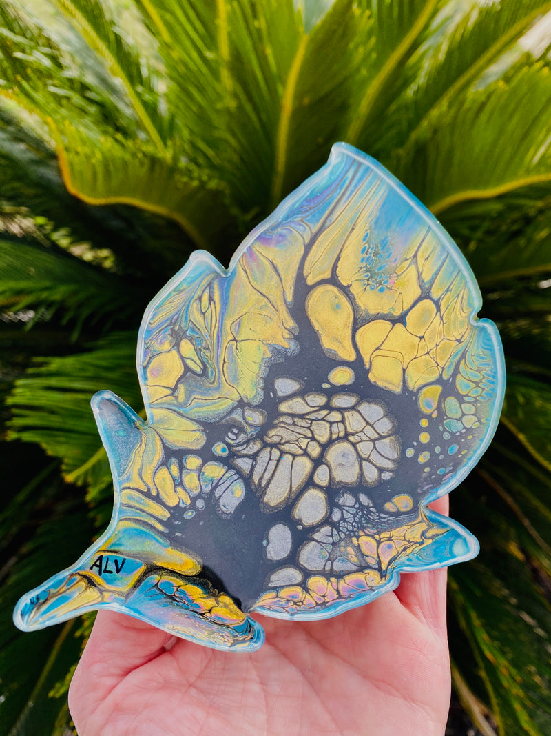 Resin art coaster-feather design 🍃