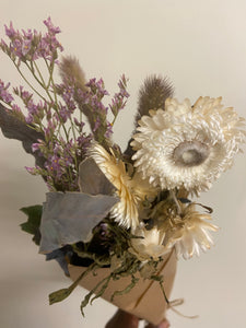 White Straw flower Desk Bunch