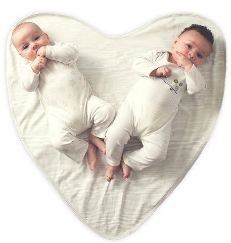 the patented 4-in-one big love blanket™ and swaddle system