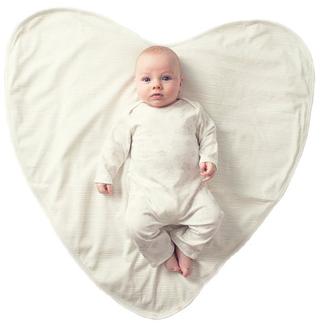 Best Gifts for Babies: Belle and Beanzer Big Love Blanket