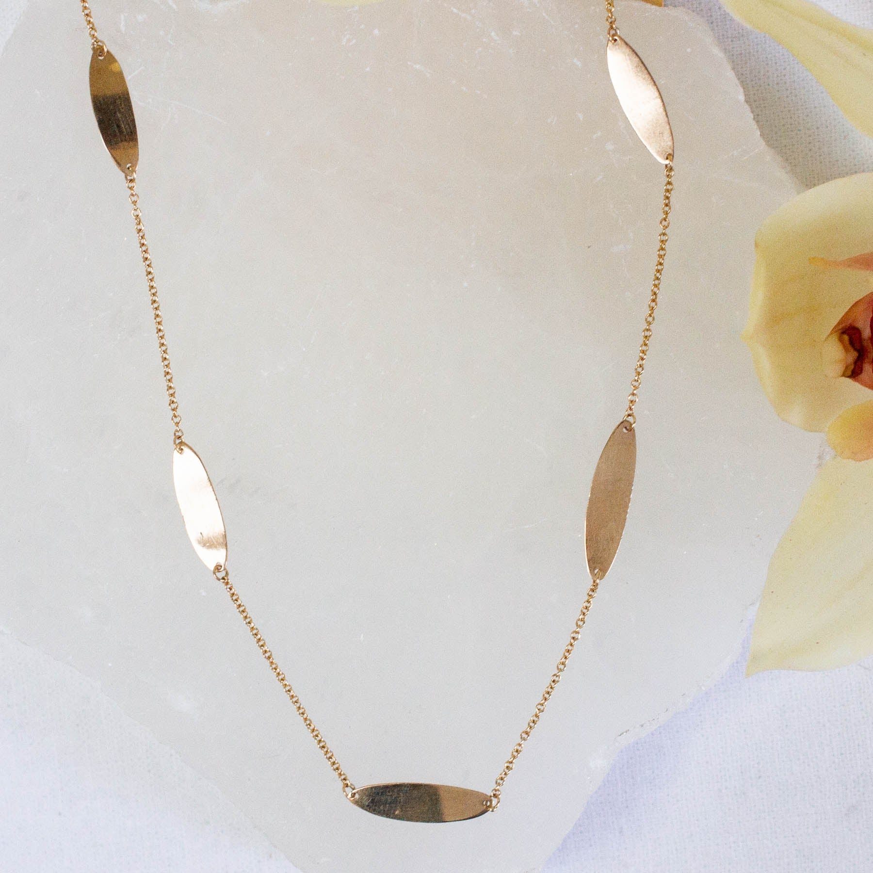 14K PETALS NECKLACE