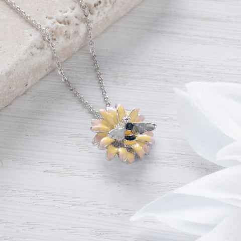 Secret Garden Bumble Bee Daisy Necklace