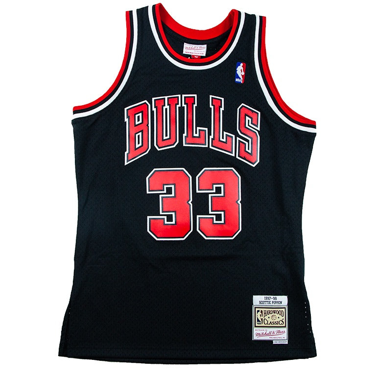 Mitchell & Ness Swingman Jersey Chicago Bulls 1997 Scottie Pippen Alternate Road