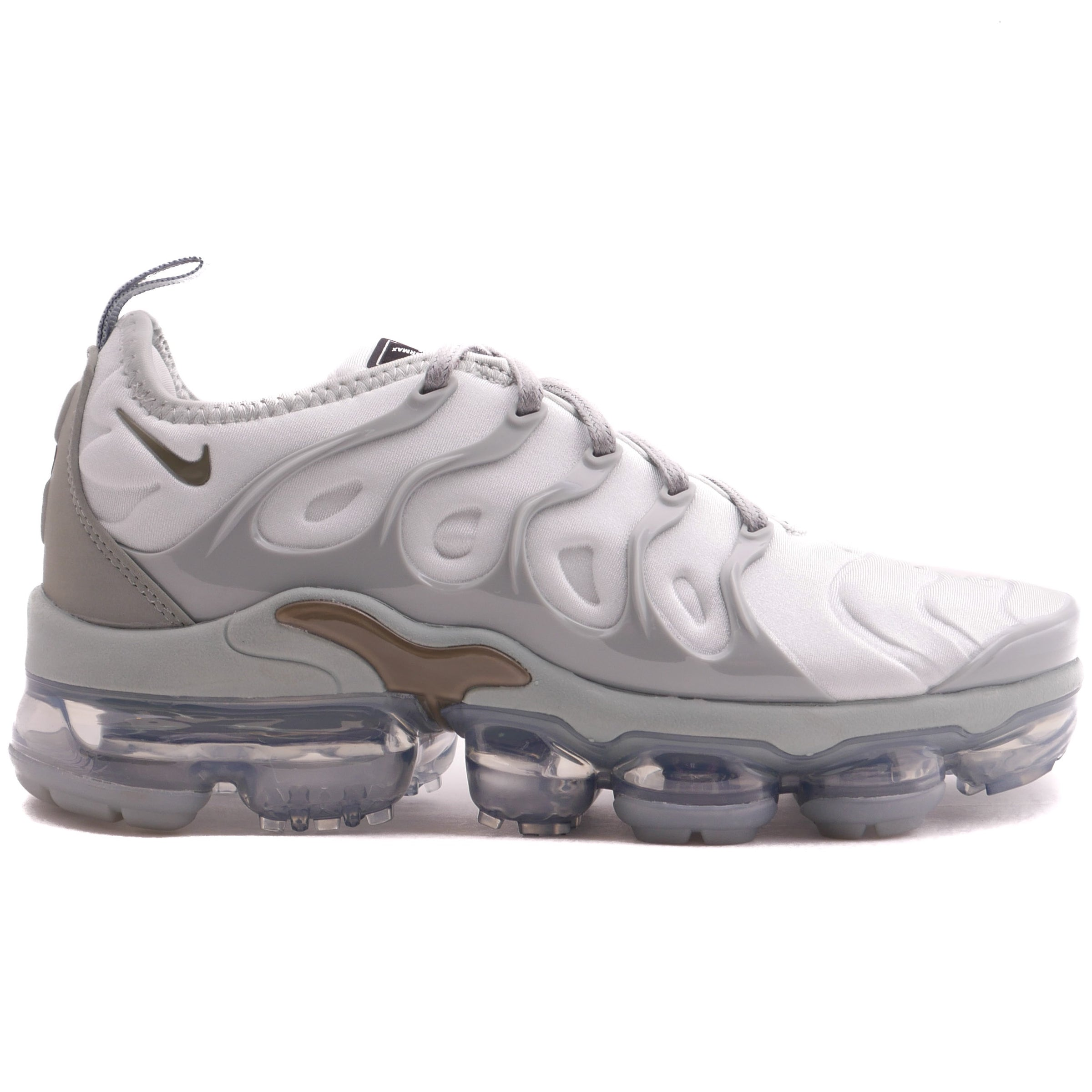 bcbc3e044e6 Nike Women s Air Vapormax Plus Light Silver – Puffer Reds