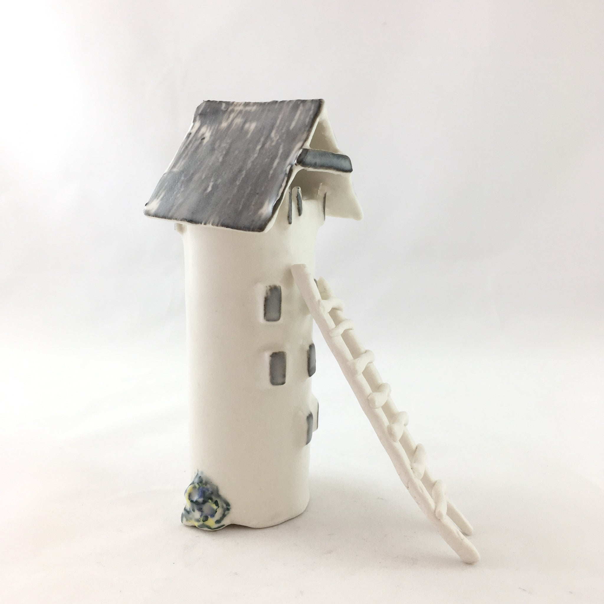 Medium dovecote by Heidi Francis
