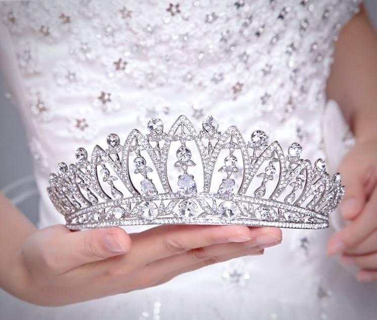 Wedding Hair Accessories - Bridal Tiaras Collection