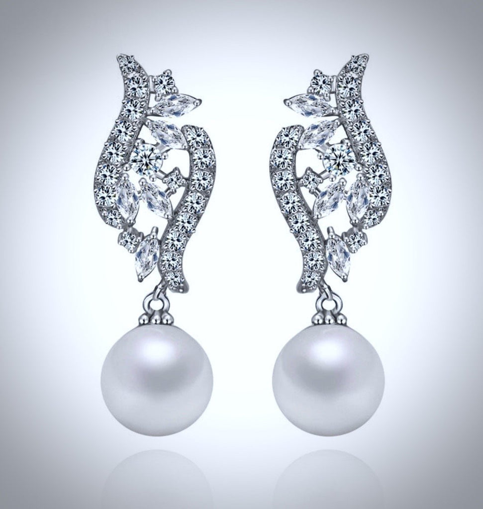 """Adeline"" - Pearl and Cubic Zirconia Bridal Jewelry Set"