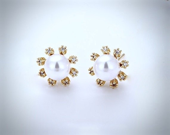 """Anais"" - Bridal Pearl Stud Earrings"