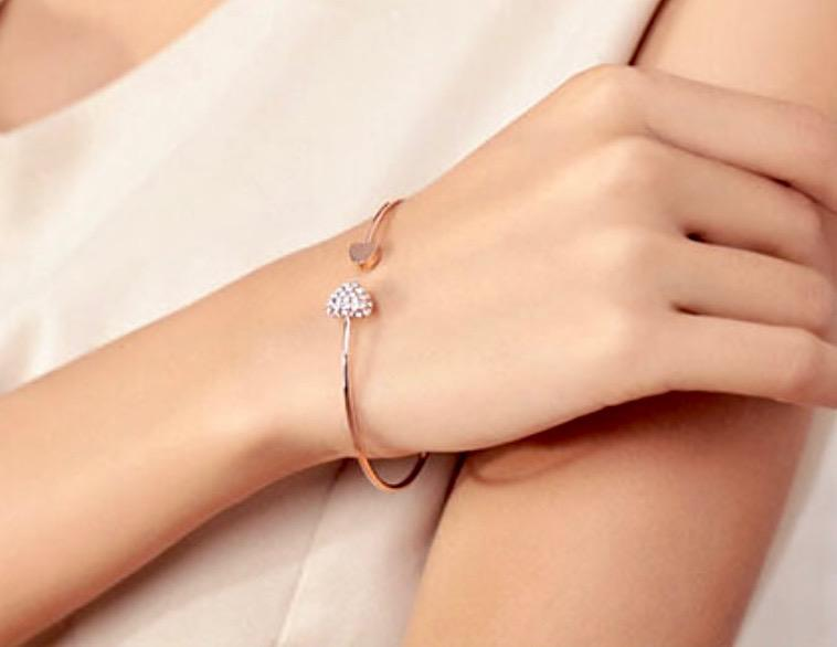 Bridal Party Gifts - Delicate Heart Bangle Bracelet - Available in Silver and Rose Gold