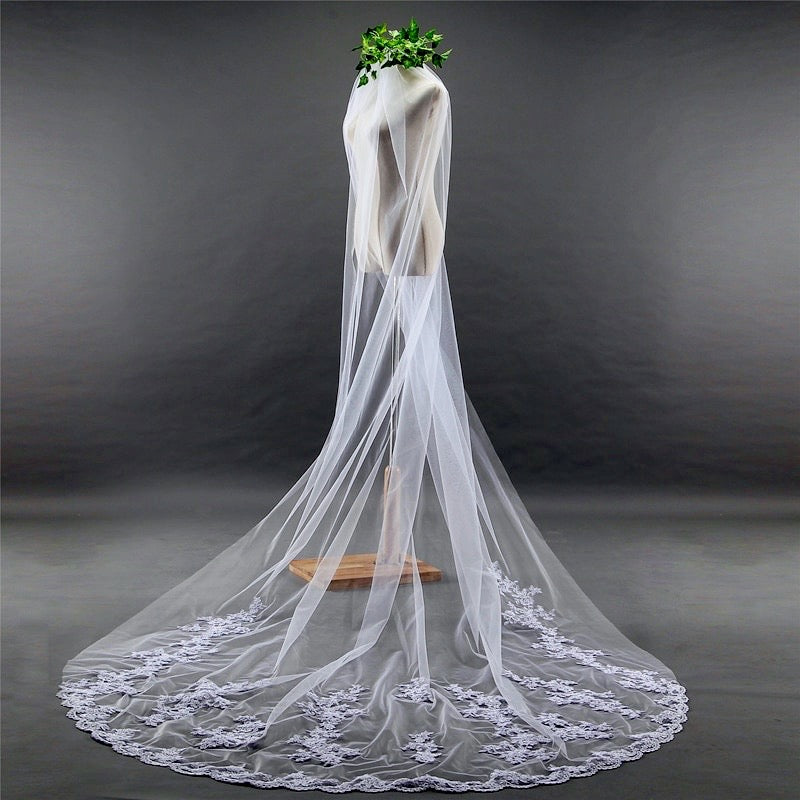 """Hailey"" - Lace Edge Cathedral Bridal Veil"