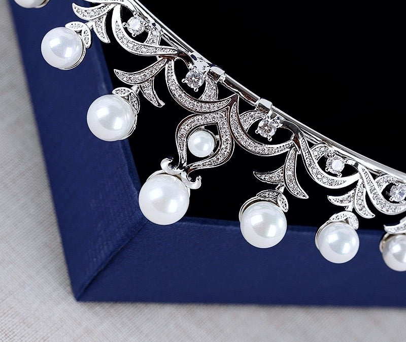 """Nadine"" - Wedding Pearl and Cubic Zirconia Tiara"