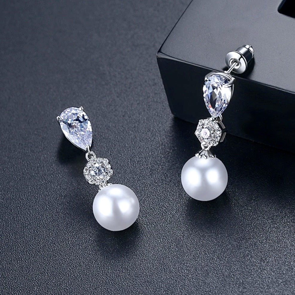 """Marissa"" - Pearl and Cubic Zirconia Jewelry Set"