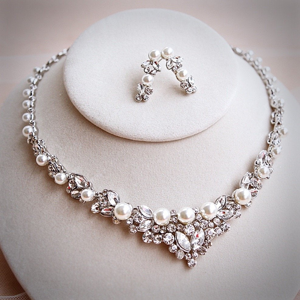 Wedding Jewelry - Pearl and Crystal Bridal Jewelry Set