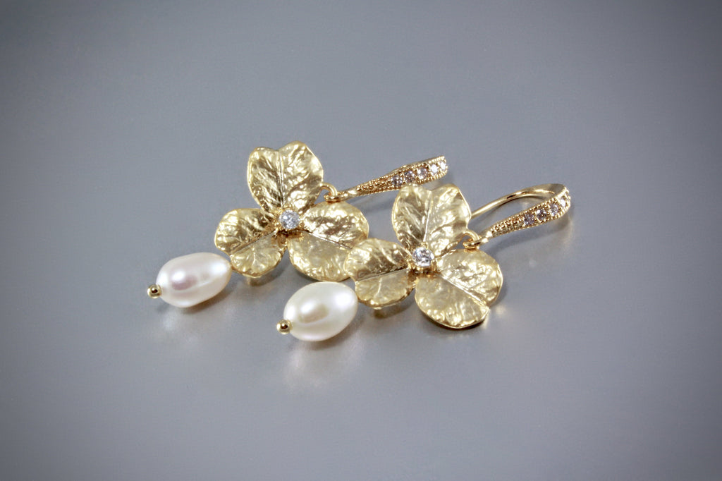 """Blush"" - Pearl Bracelet/Earrings/Set - Available in Gold and Silver"