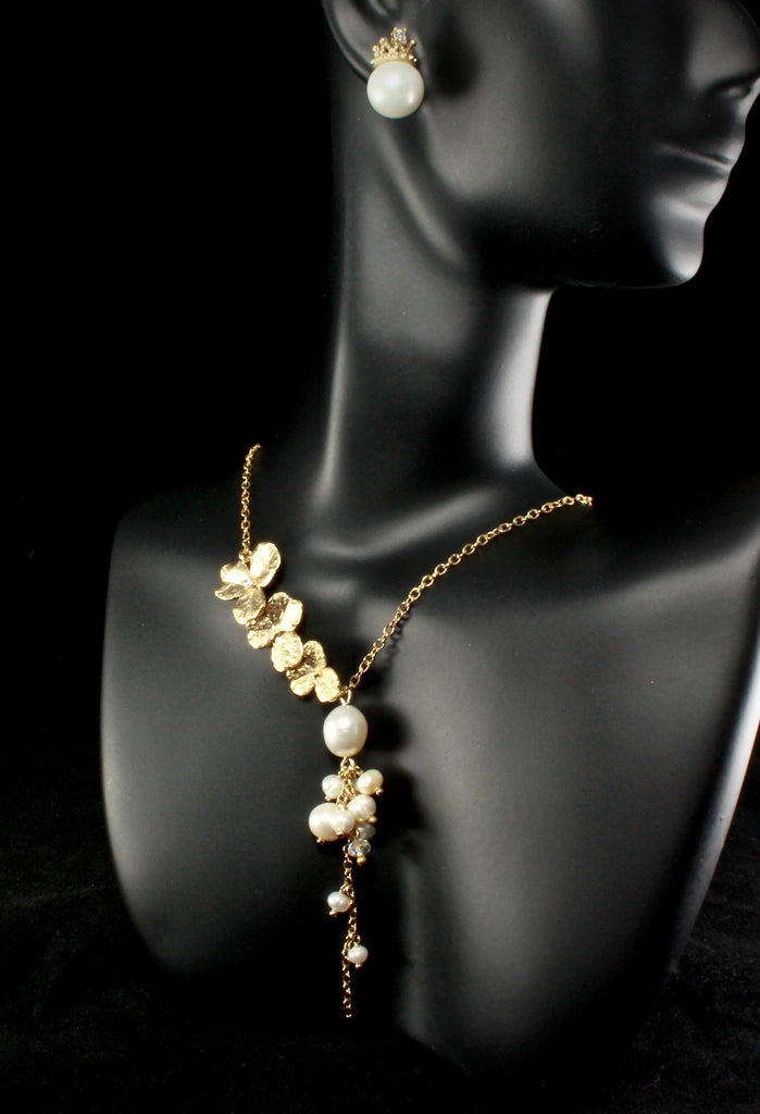 """Trillium"" - Cascading Pearl Bridal Necklace - Available in Gold and Silver"
